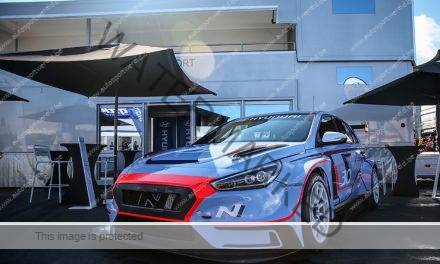 Menu en Tarquini met Hyundai in TCR International