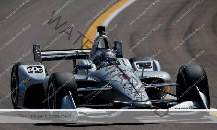 Video: Newgarden wint op ovaal Phoenix in IndyCar