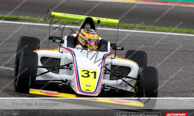 Stuart White pakt zege in derde race F4 in Spa