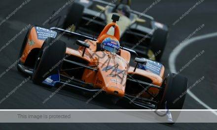 Indycar: Alonso achter op schema in Indianapolis