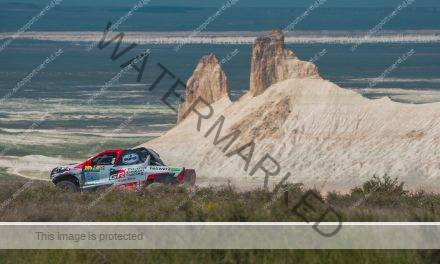 FIA Cross-Country: Al Attiyah blijft leider
